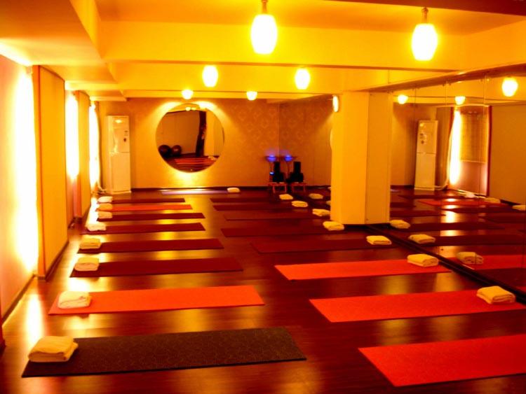 承接专业规格瑜伽馆设计施工配备维护