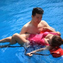 水趣水上场所救援用浮标跟屁虫游泳包浮漂装备游泳水上救援带